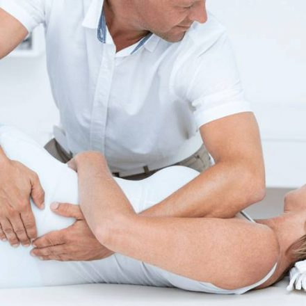 Tips to find specialist for lower back pain treatment